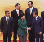 President outlines economic innovation plan at APEC