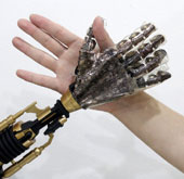 Artificial skin can sense heat, pressure