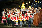 Jogyesa_Christmas_Tree_2014_Article_th02.jpg