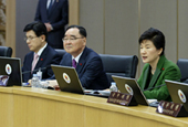 President_Park_Cabinet_Meeting_th_02.jpg