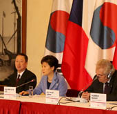 President makes three proposals for Korean-Czech cooperation