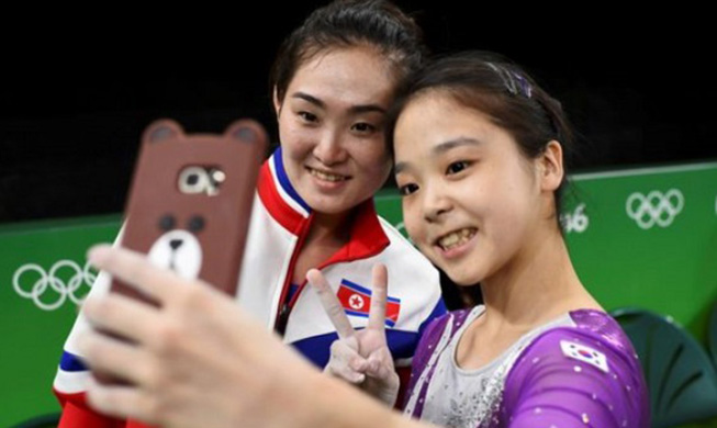 BBC_N.S.Korea_Gymnasts_Selfie_MAIN.jpg