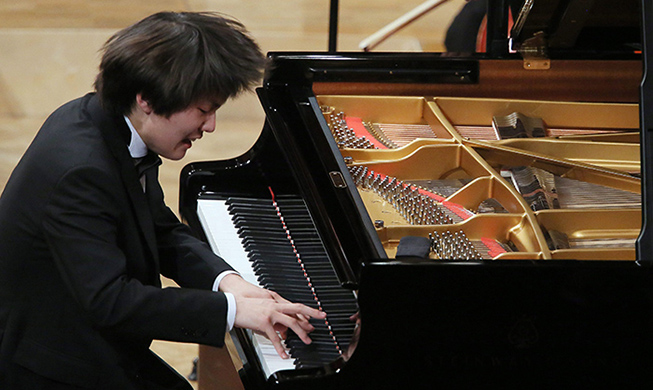 Pianist Seong-Jin Cho still capturing Polish hearts