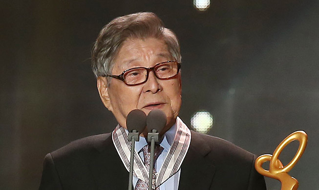 Remembering big-hearted comic Koo Bong-seo