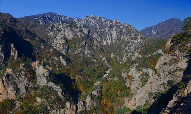 Seoraksan Mountain to reopen scenic point after 46 years