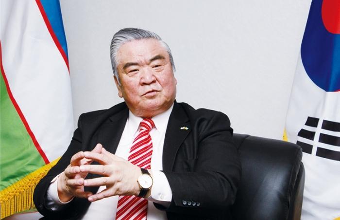 Vitali V. Fen, ambassador of Uzbekistan to Korea