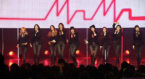 Girls' Generation hits the top w...