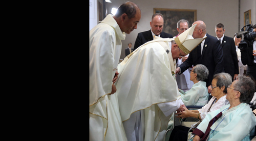 Pope Francis: 'All Koreans are b...