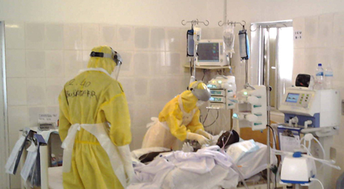 Ebola aid workers return home sa...